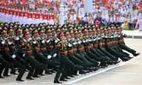 把越南人民军建设成为正规和现代的力量