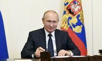 俄总统普京签署法令 卸任总统将可终生任职参议员