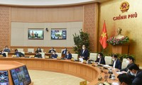 阮春福总理指导爆发新冠肺炎疫情地区可以实施社区距离措施