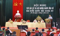 国会主席王庭惠与海防市选民接触