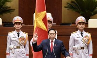 朝鲜内阁总理向范明政总理致贺电