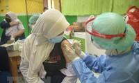 世界卫生和金融组织敦促优先为贫穷国家提供新冠疫苗