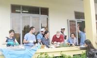 American surgeons perform free surgery