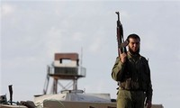 Hamas deploys security forces at border with Israel