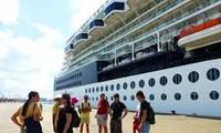 International cruises visit central region during Tet