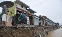Death toll in India floods hits 560, thousands more missing