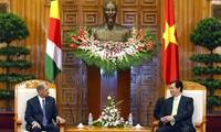 Prime Minister Nguyen Tan Dung receives Seychelles President James Alix Michel