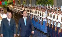 Vietnam, Cuba pledge to deepen friendship and cooperation