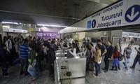 Brazilian President criticizes strikes before World Cup 2014
