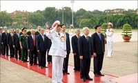 Senior leaders pay tribute to fallen soldiers