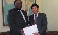 Vietnam, Zimbabwe aim for stronger ties