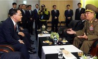 Two Koreas hold high-level military talks