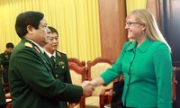 Vietnam, US hold defense policy dialogue