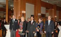 Friendly meeting to mark Vietnam-Sweden 45th diplomatic ties