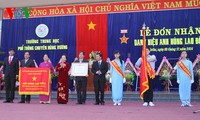 Vice President Nguyen Thi Doan conferred Labor Hero title to Hung Vuong School in Gia Lai province