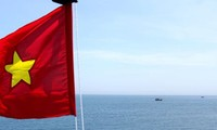 Vietnam, China discuss issues over waters off Tonkin Gulf