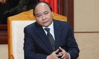 Deputy PM Nguyen Xuan Phuc chairs a discussion on settling complaints and denunciations