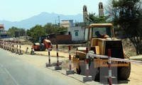 Deputy PM Hoang Trung Hai inspects progress of Da Nang-Quang Ngai highway project