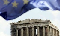 US calls on Greece, EU to compromise