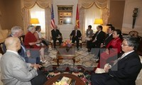 Party chief meets Chairman of Communist Party USA and US left-wingers