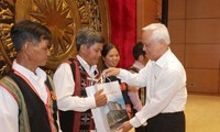NA Deputy Chairman receives ethnic people of Quang Nam