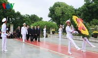 Leaders pay tribute to war heroes, martyrs