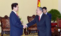 PM Nguyen Tan Dung receives Myanmar's central Bank Governor