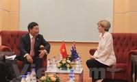 Deputy PM meets senior EU, Australian officials