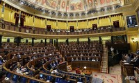Spanish government supports 3rd bailout for Greece