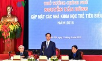 PM Nguyen Tan Dung meets outstanding young scientists