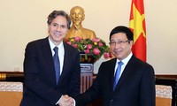 Vietnam, US enhance dialogues for mutual interests