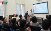 Vietnamese students in the Czech Republic hold scientific workshop