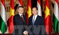 PM Nguyen Tan Dung receives Hungarian NA Speaker