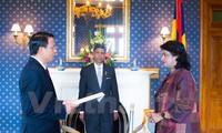 Vietnam, Mauritius strengthen ties