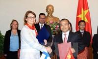 Deputy FM receives Finnish counterpart