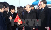 National Assembly Chairman meets with overseas Vietnamese in China