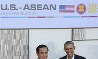 Thai PM calls for peaceful resolutions to East Sea disputes