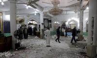 Twin suicide bomb attack kills 15 at Baghdad mosque