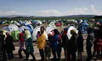 Turkey offers to sign migrant readmission agreements with 14 countries
