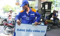 Petrol prices up 670 VND per litre