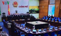 Prime Minister Nguyen Tan Dung chairs government monthly meeting