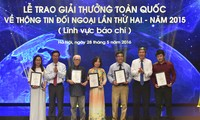 VOV wins 1st prize for radio at the 2nd National External Information Awards