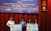 Exchanges featuring Vietnam's sea and islands