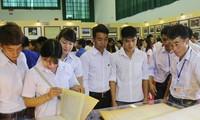 Maps and documents on Vietnam's Hoang Sa, Truong Sa displayed in Son La