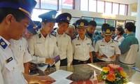 Quang Tri hosts exhibition on Hoang Sa, Truong Sa