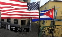 US Diplomats fly to Havana for human rights dialogue with Cuban officials