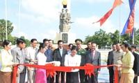 Monument to Vietnamese volunteer soldiers inaugurated in Phnom Penh