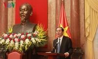 President Tran Dai Quang meets new Professors, Associate Professors