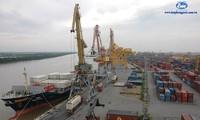 China Coast Guard ship visits Hai Phong city