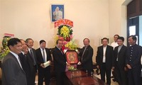 Deputy PM pays Christmas visit to Catholic and Protestant communities